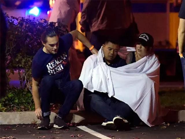 فائرنگ سے کئی افراد زخمی بھی ہوئے، فوٹو: امریکی میڈیا