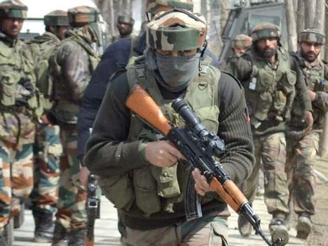 کشمیری نوجوان کو ضلع پلوامہ میں سرچ آپریشن کے دوران شہید کیا گیا۔ فوٹو : فائل