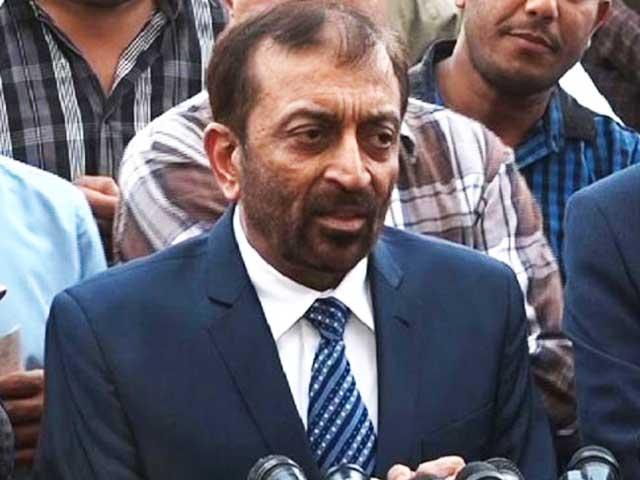 میں نے تحقیقات شروع کردی ہیں اب ان کا احتساب میں خود کروں گا، فاروق ستار (فوٹو: فائل)