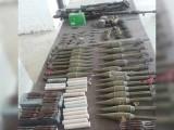 کارروائی کے دوران برآمد ہونے والے گولوں كو اسپیشل پولیس فورس اور بم ڈسپوزل یونٹ نے ناكارہ بنا دیا ۔ فوٹو : فائل