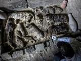 بلیوں اور بھونرے کی حنوط شدہ لاشیں 4 ہزار سال پرانی ہیں۔ فوٹو : اے ایف پی