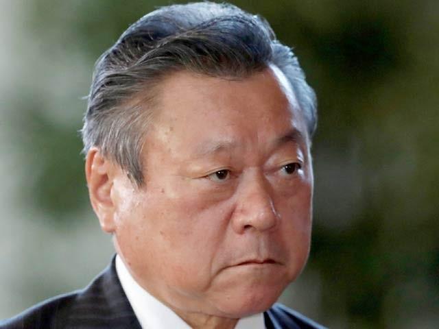 جاپانی وزیر برائے سائبر سیکیورٹی یوشی تاکا ساکورادا نے زندگی میں کبھی کمپیوٹر استعمال نہیں کیا (فوٹو: گارجیئن اخبار)