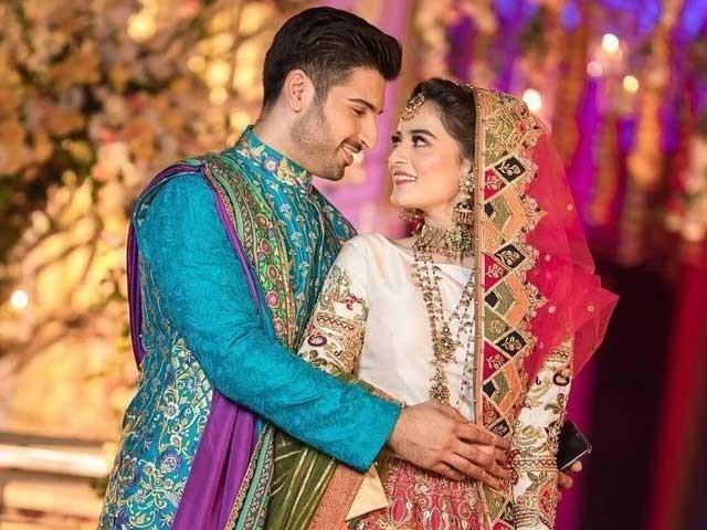اداکارہ ایمن اور منیب شادی پر پانی کی طرح پیسہ بہاکر غیر حقیقی رسموں کو بڑھاوا دے رہے ہیں سوشل میڈیا صارفین کی تنقید فوٹوٹوئٹر