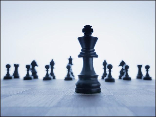 اگر آپ میں قائدانہ صلاحیتیں موجود نہیں لیکن آپکی یہ خواہش بھی ہے تو پہلے اپنی اس خواہش کو عزم میں بدلیے۔ (فوٹو: انٹرنیٹ)
