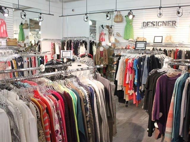 دکان میں چوری سے تنگ خاتون مالکن نے ماہر چوروں کی مدد حاصل کرنے کے لیے اشتہار دے دیا ہے (فوٹو: فائل)