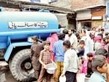 دھابیجی پمپنگ اسٹیشن سے 45کر وڑگیلن پانی ملتا ہے ،5کر وڑگیلن چوری یا پھر رساؤمیں بہہ جاتاہے،ذرائع۔  فوٹو:فائل