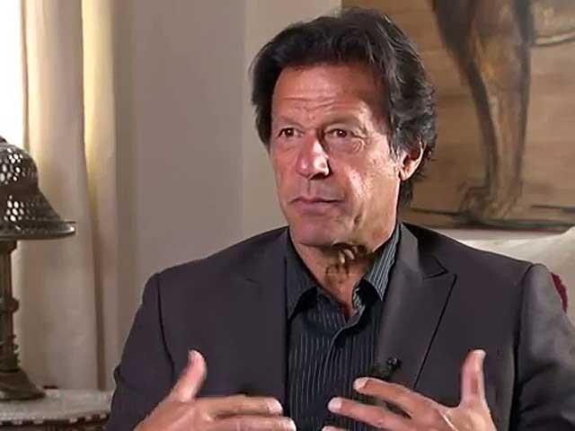 ہم نے امریکا کی جنگ کو پاکستان میں لا کر بہت نقصان اٹھایا ہے، عمران خان: فوٹو: فائل