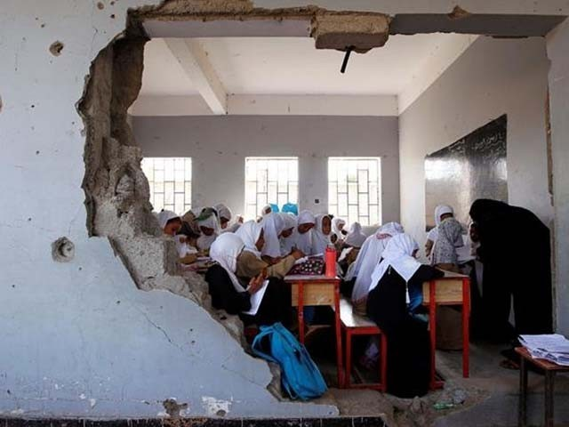 یمن میں 3 سال سے جاری خانہ جنگی کے خاتمے کیلیے اقوام متحدہ کے زیرانتظام سویڈن میں امن مذاکرات جاری ہیں۔ فوٹو : فائل