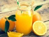 ہارورڈ یونیورسٹی کے ایک سروے کے مطابق نارنجی کا رس دماغی صلاحیت بڑھاتا ہے (فوٹو: فائل)