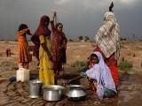 پانی کی بچت اور تحفظ کے ذیل میں خواتین کا کردار بھی خصوصی اہمیت کا حامل ہے۔ (فوٹو: انٹرنیٹ)
