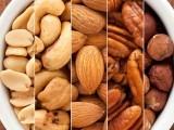 قدرتی غذائیں کولیسٹرول کو قابو کرسکتی ہیں۔ فوٹو: فائل