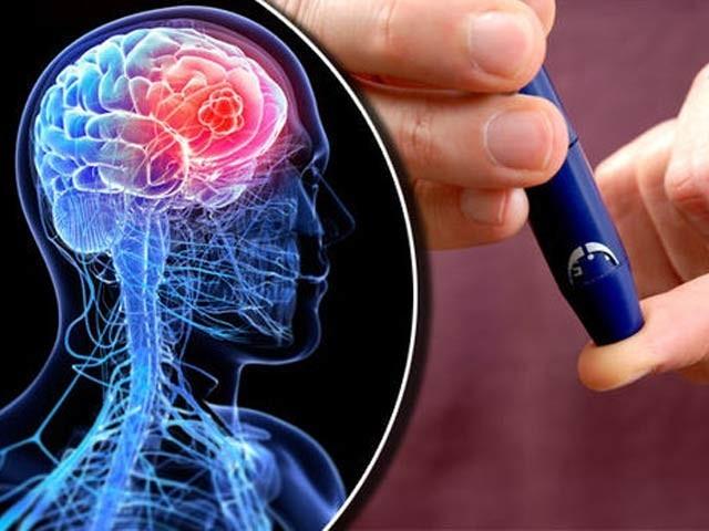 ذٰیابیطس اور دماغی انحطاط کے درمیان تعلق دریافت ہوا ہے (فوٹو: فائل)