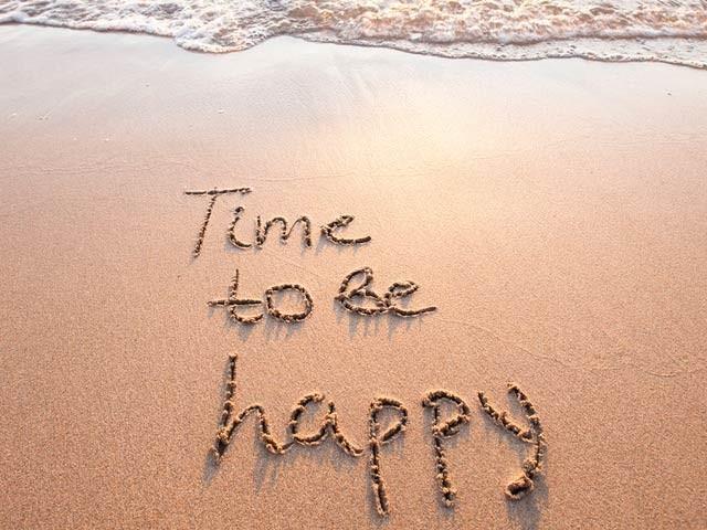 آسان باتوں پر عمل کرکے آپ اپنی زندگی خوشیوں سے بھرسکتے ہیں۔ فوٹو: فائل