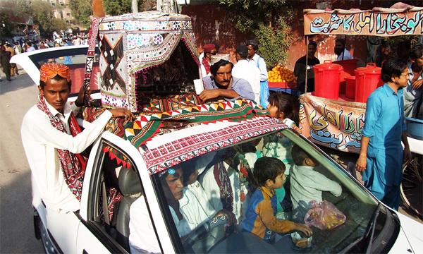 Sindhi-Ajrak-Topi-Day-03