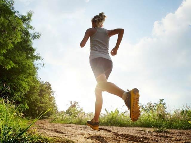 جسمانی ورزش سے جسم میں آئریسن نامی ہارمون بڑھتا ہے جو الزائیمر سمیت کئی امراض سے بچاتا ہے۔ فوٹو: فائل