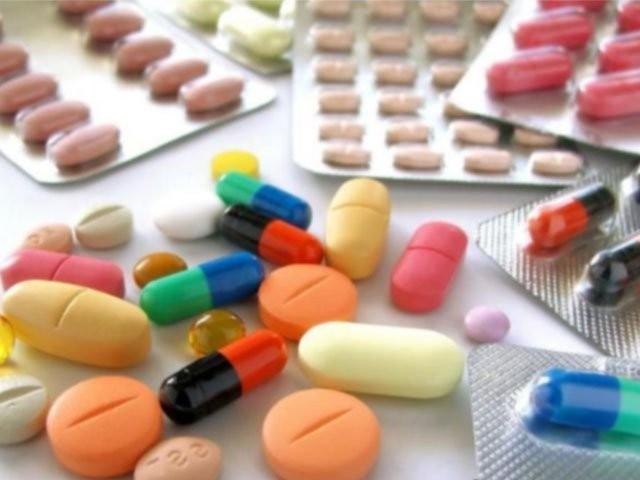 ادویہ ساز کمپنیوں نے ادوایات کی قیمتوں میں اضافے کا مطالبہ کیا تھا فوٹو: فائل