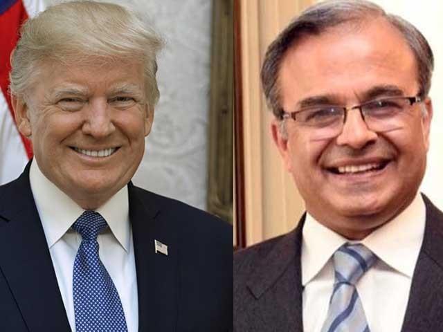 پاکستانی سفیر ڈاکٹر اسد مجید خان نے اپنی سفارتی اسناد صدر ڈونلڈ ٹرمپ کو پیش کیں: فوٹو: فائل