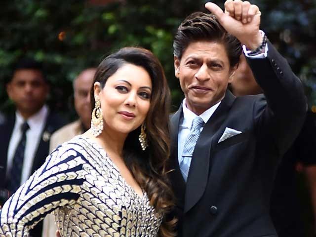 شاہ رخ خان مجھ سے اور ہمارے تینوں بچوں سے بے حد پیار کرتے ہیں، گوری خان فوٹوفائل