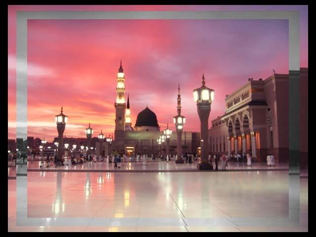 نبی کریمؐ نے فرمایا: '' دل کی خوشی (سکون و چین)بھی اﷲ کی نعمتوں میں سے ایک نعمت ہے۔''(مسند احمد) فوٹو : فائل