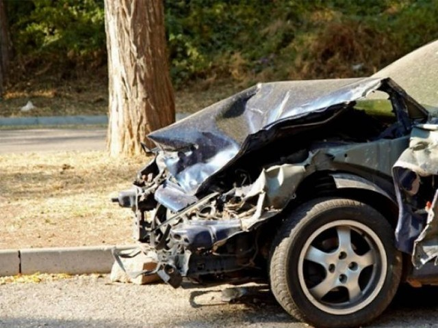حادثے کے ذمے دار ڈرائیور کو پولیس نے گرفتار کرلیا ہے۔ فوٹو : فائل
