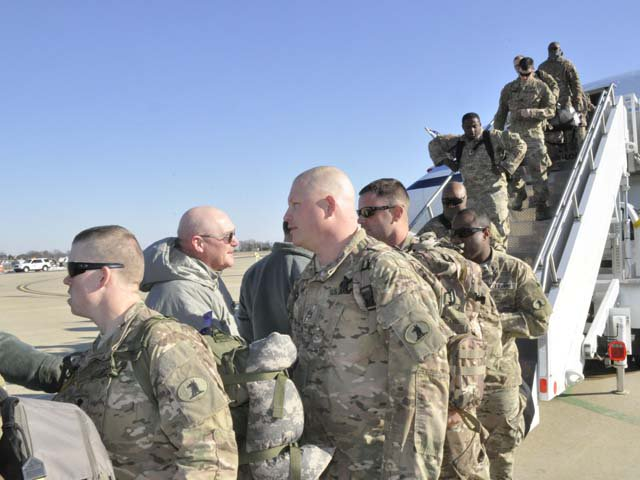 امریکی صدر نے بھی فوجیوں کے انخلاء کا عندیہ دیا تھا۔ فوٹو : فائل