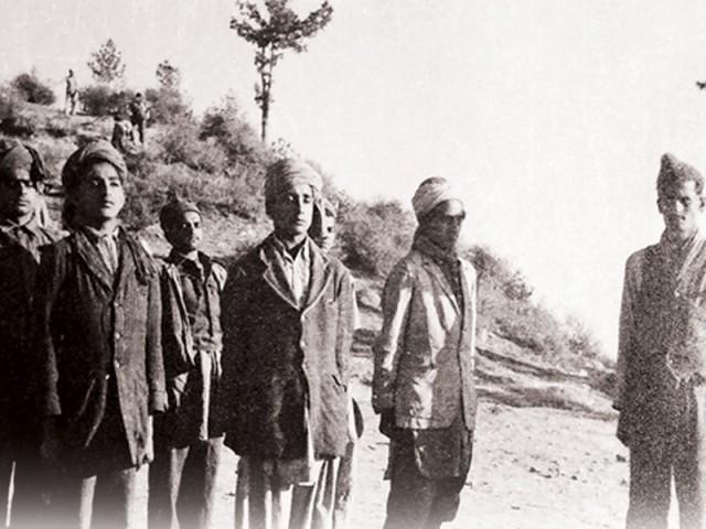 جموں و کشمیر کے مسلمان، ڈوگرا راج کے جبر سے نکل کر بھارتی فوج کے استبداد کا شکار ہو گئے۔ فوٹو: فائل
