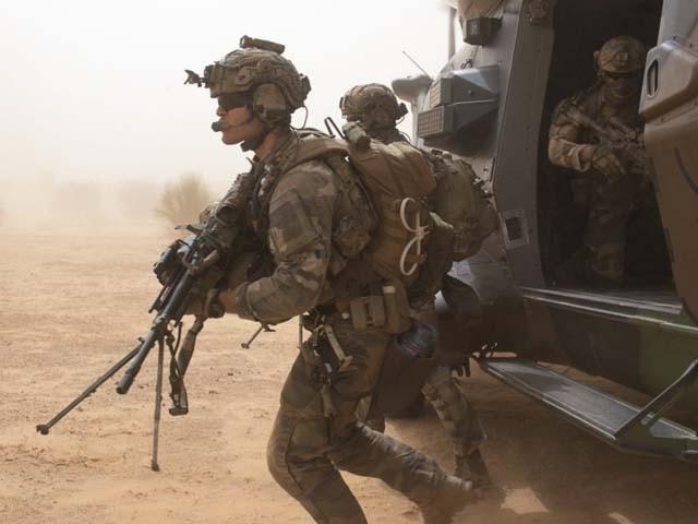 چاڈ میں مسلح بغاوت کو مشترکہ افواج یو ایف آر نے ناکام بنایا۔ فوٹو : فائل