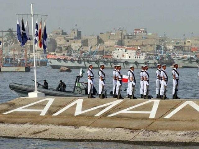 دنیا کے 45ممالک کی بحریہ پاکستان میں اکٹھی ہے مگر اس میں بھارت شامل نہیں۔ فوٹو: فائل