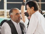 اسد قیصر کا تعلق پاکستان تحریک انصاف کے سب سے پرانے کارکنان میں ہوتا ہے فوٹو: فائل