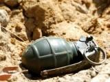 دستی بم ریت میں چھپایا گیا تھا، مزدور کے اٹھانے پر پھٹ گیا، پولیس۔ فوٹو : فائل