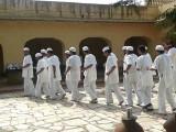 ہندو قیدیوں کے مشتعل ہجوم نے پاکستانی قیدی کو پتھر مار مار کر قتل کیا۔ فوٹو : فائل