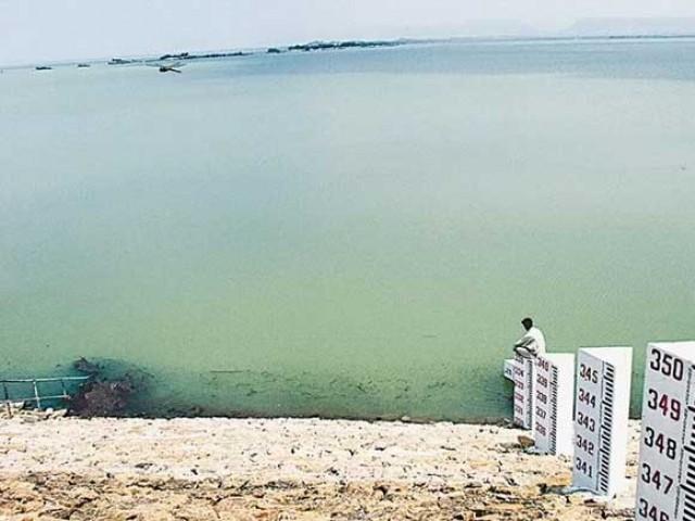 حب ڈیم 24 ہزار ایکڑ سے زائد رقبے پر محیط ہے فوٹو: ایکسپریس