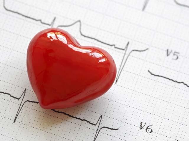نشاستہ کی کمی سے دل کی دھڑکن کا عارضہ ہوجاتا ہے۔ ماہرین فوٹو : فائل