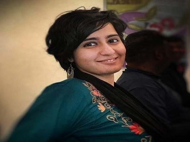 بھارتی صحافی ساگریکا نے کشمیری طلبا کو پناہ دی اور ان کے آبائی گھر تک پہنچایا تھا۔ فوٹو : فائل