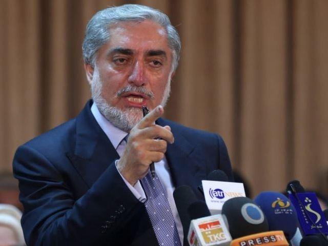 امریکا اور طالبان کے درمیان معاہدے سے افغانستان کے آدھے مسائل حل ہوجائیں گے، افغان چیف ایگزیکٹو فوٹو: فائل