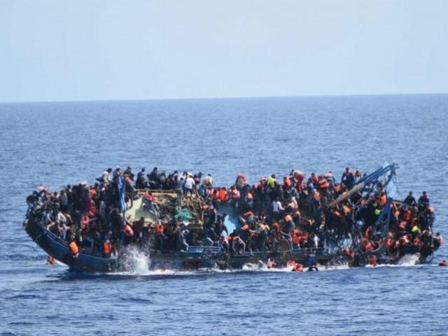 21 افراد کو بچا لیا گیا، غیر قانونی تارکین وطن مراکش کے راستے اسپین جارہے تھے، حکام۔ فوٹو: فائل