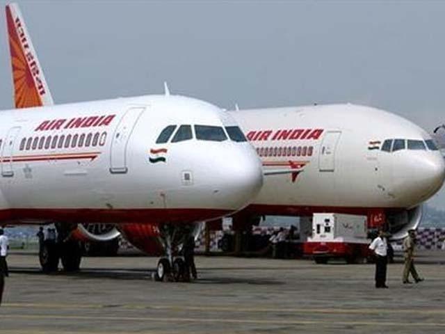 ایئر انڈیا کی ہفتے میں 99 پروازیں براستہ پاکستان یورپ اور امریکا جاتی تھیں۔ فوٹو : فائل