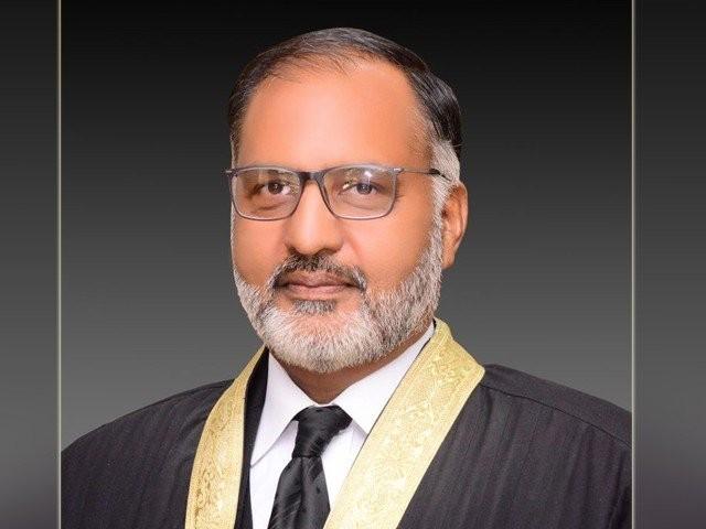 جسٹس مشیر عالم کو پانچ رکنی بینچ کا سربراہ مقرر کیا گیا ہے، فوٹو: فائل