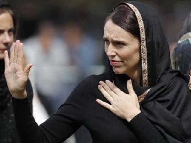 نوجوان نے دوران ملاقات نیوزی لینڈ کی وزیراعظم کو اسلام قبول کرنے کی دعوت دی۔ فوٹو : ویڈیو گریب