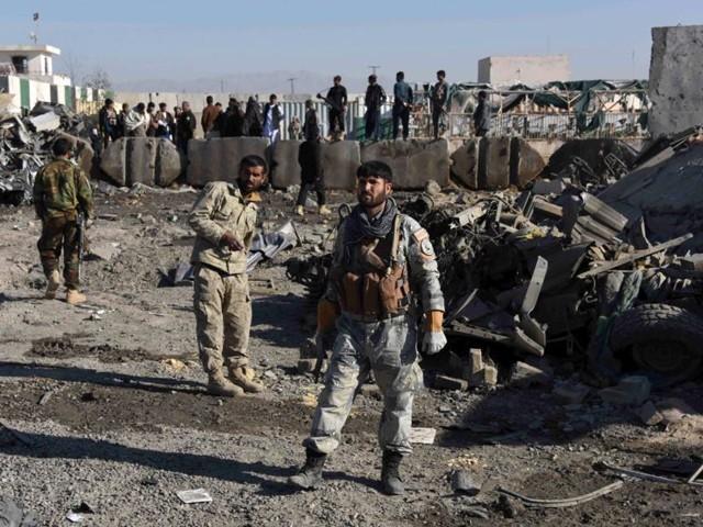 طالبان 8 افغان فوجیوں کو اغوا کرکے بھی لے گئے فوٹو:فائل