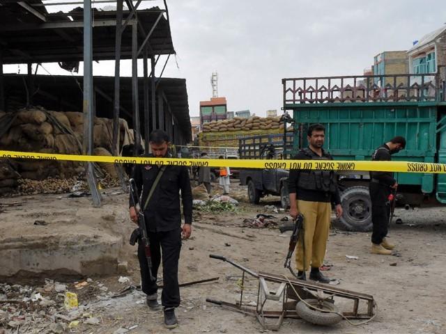 سیکیورٹی فورسزنےعلاقے کوگھیرے میں لے کر آپریشن کا آغازکردیا ہے۔: فوٹو: اے ایف پی