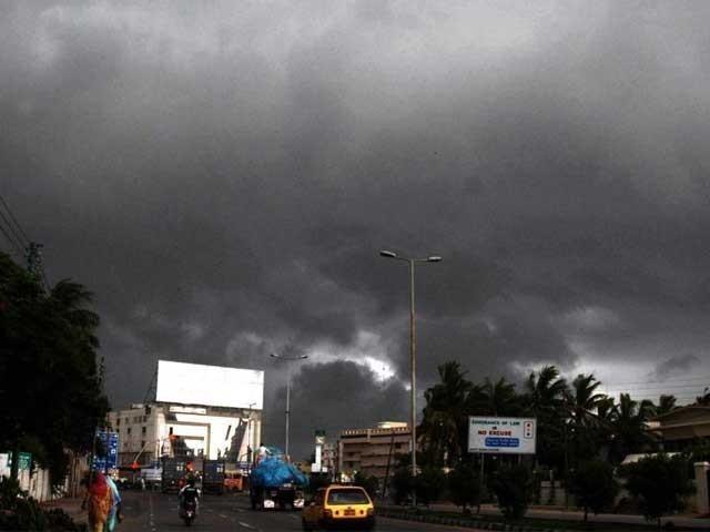 ملک کے بالائی علاقوں اور سندھ کے کچھ مقامات پر بارش ہوگی فوٹو:ٖفائل