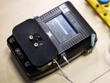 سنگاپور کے ماہرین نے پانی میں 24 اقسام کی بھاری دھاتیں معلوم کرنے والا ایک آلہ بنایا ہے جو زہریلی دھات کی ایک اربویں میں پانچویں حصے تک دھات کا پتا لگالیتا ہے۔ فوٹو: بشکریہ نانیانگ ٹیکنالوجیکل یونیورسٹی