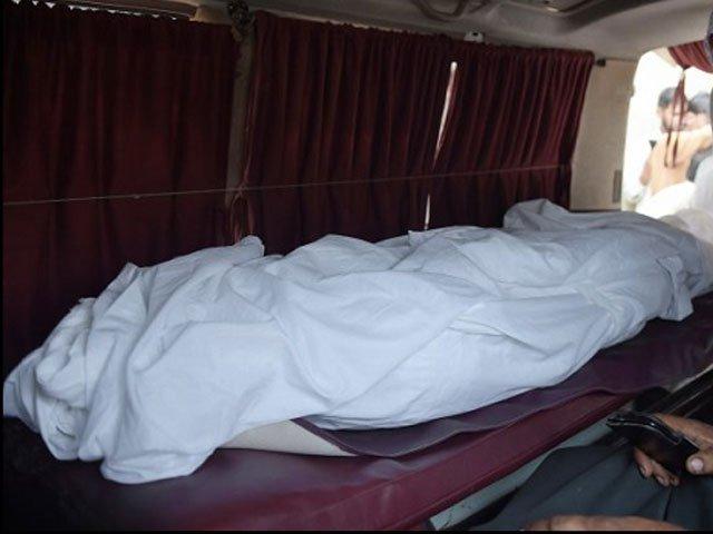 جاں بحق ہونے والوں میں شاہین بی بی، قاسم، فرزانہ قاسم، شہزاد، بشریٰ، 12 سالہ عبداللہ شامل،3 افراد اسپتال میں زیرعلاج (فوٹو: ایکسپریس)