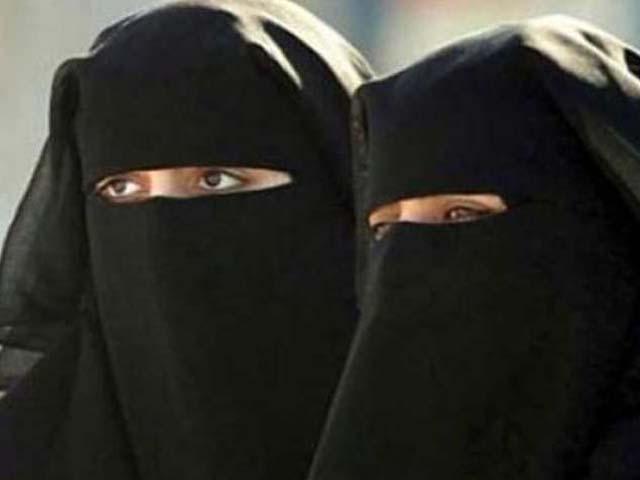 سری لنکا کے اراکین اسمبلی برقع پر پابندی کے لیے آئین سازی پر غور کر رہے ہیں۔ فوٹو : فائل