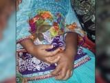 پولیس نے بچی کو اسپتال منتقل کر کے والد کو حراست میں لے لیا، فوٹو: ایکسپریس