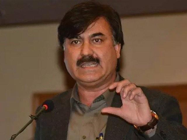 وزیراعلی محمود خان کے اختیارات میں کوئی دخل اندازی نہیں کرسکتا، شوکت یوسفزئی فوٹو:فائل