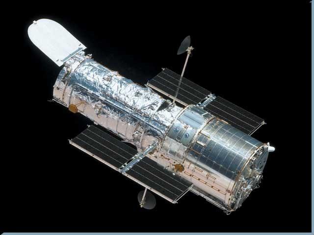 ہبل ایک خلائی دوربین ہے جسے امریکہ کی خلائی ایجنسی ناسا نے سنہ 1990 میں خلا میں بھیجا تھا۔ فوٹو: فائل