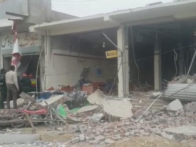 وزیراعلیٰ پنجاب نے دھماکے کا نوٹس لیتے ہوئے رپورٹ طلب کرلی ہے۔ فوٹو : سوشل میڈیا
