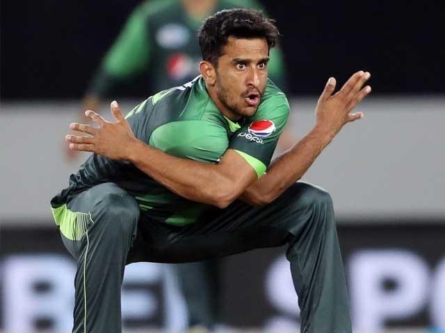 خواہش ہے قوم نے جیت کا جو جشن چیمپیئنز ٹرافی کے موقع پر منایا تھا وہ اس بار بھی منائے، حسن علی . فوٹو: فائل